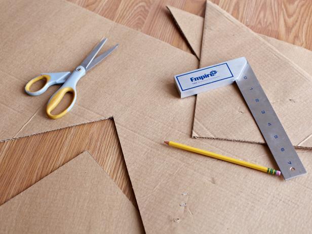 Original_Brian-Patrick-Flynn-Zig-Zag-Ceiling-Create-a-Cardboard-Jig_s4x3