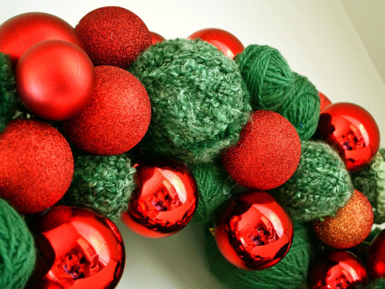 Easy Yarn And Ornament Wreath