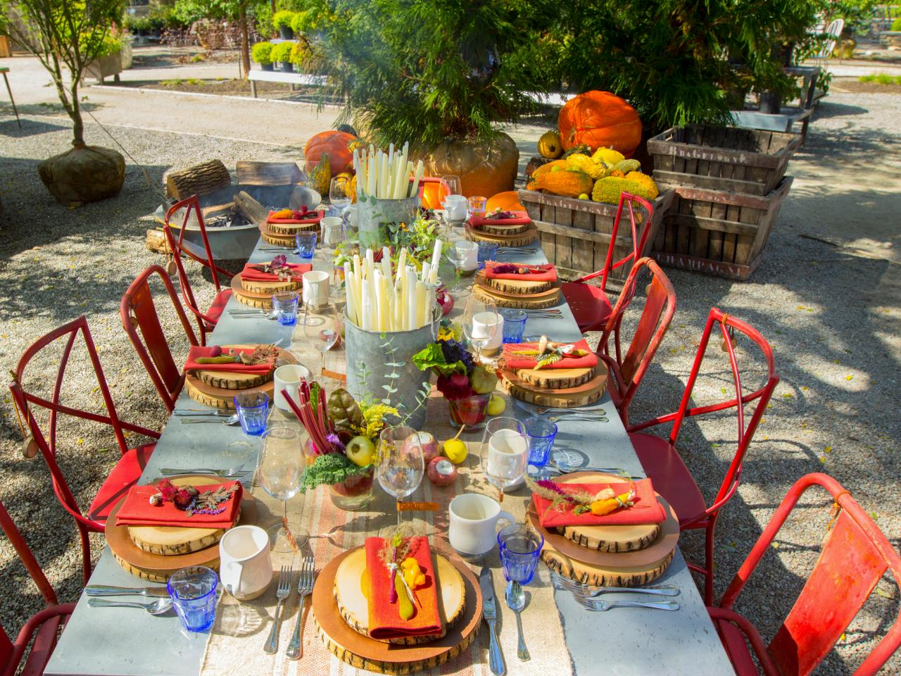 Thanksgiving brunch entertaining ideas party themes Brunch table decorations