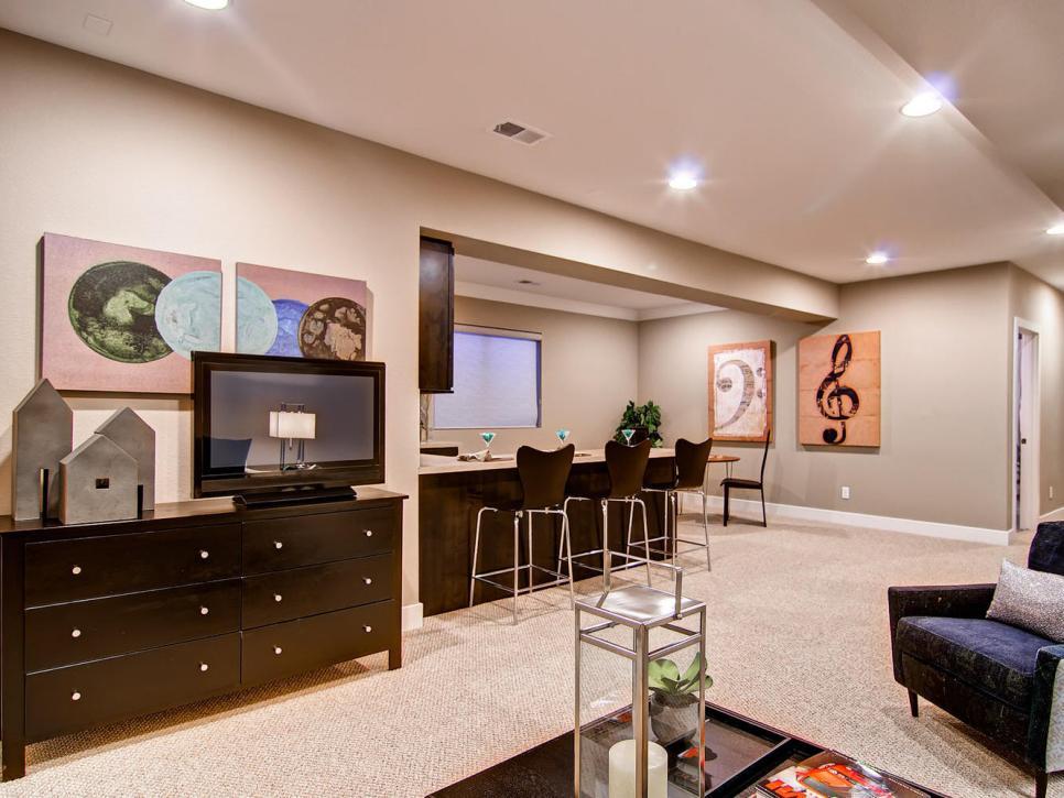 13 great design ideas for basement bars hgtv - Basement Bar Design Ideas