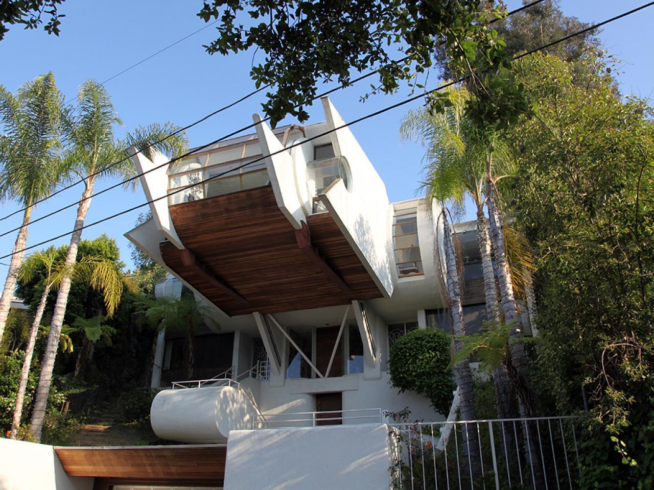 Celebrating the unusual with hgtv 39 s home strange home for Strange home designs