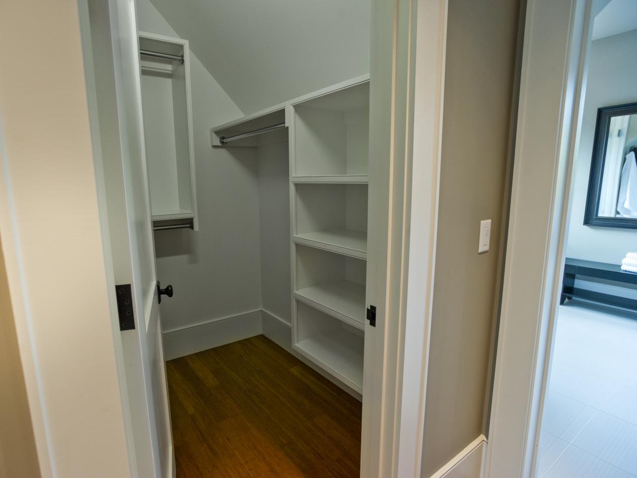Hgtv dream home 2013 guest bedroom pictures and video Walk in bedroom closets