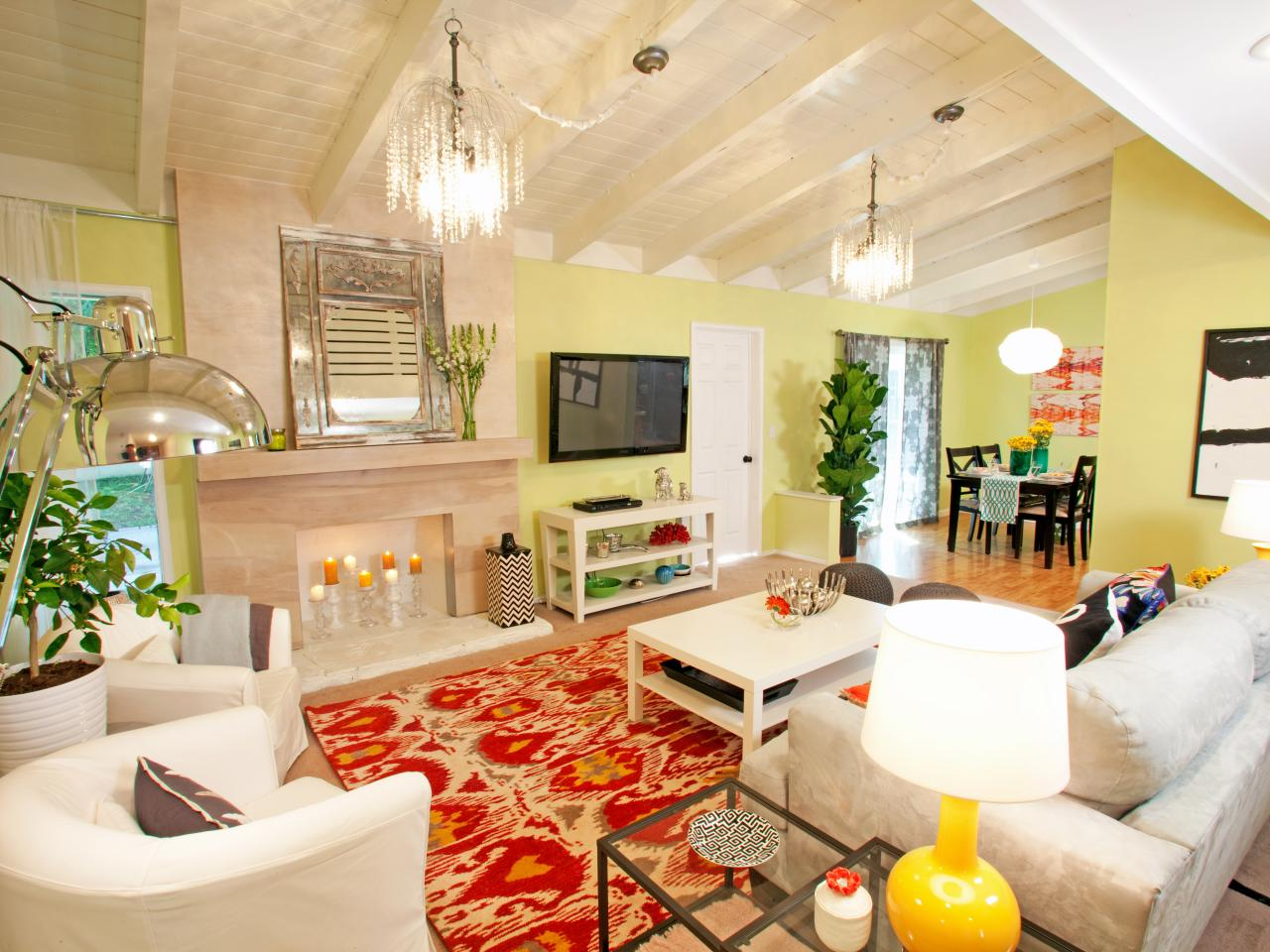 Photo page hgtv - Yellow living room ...