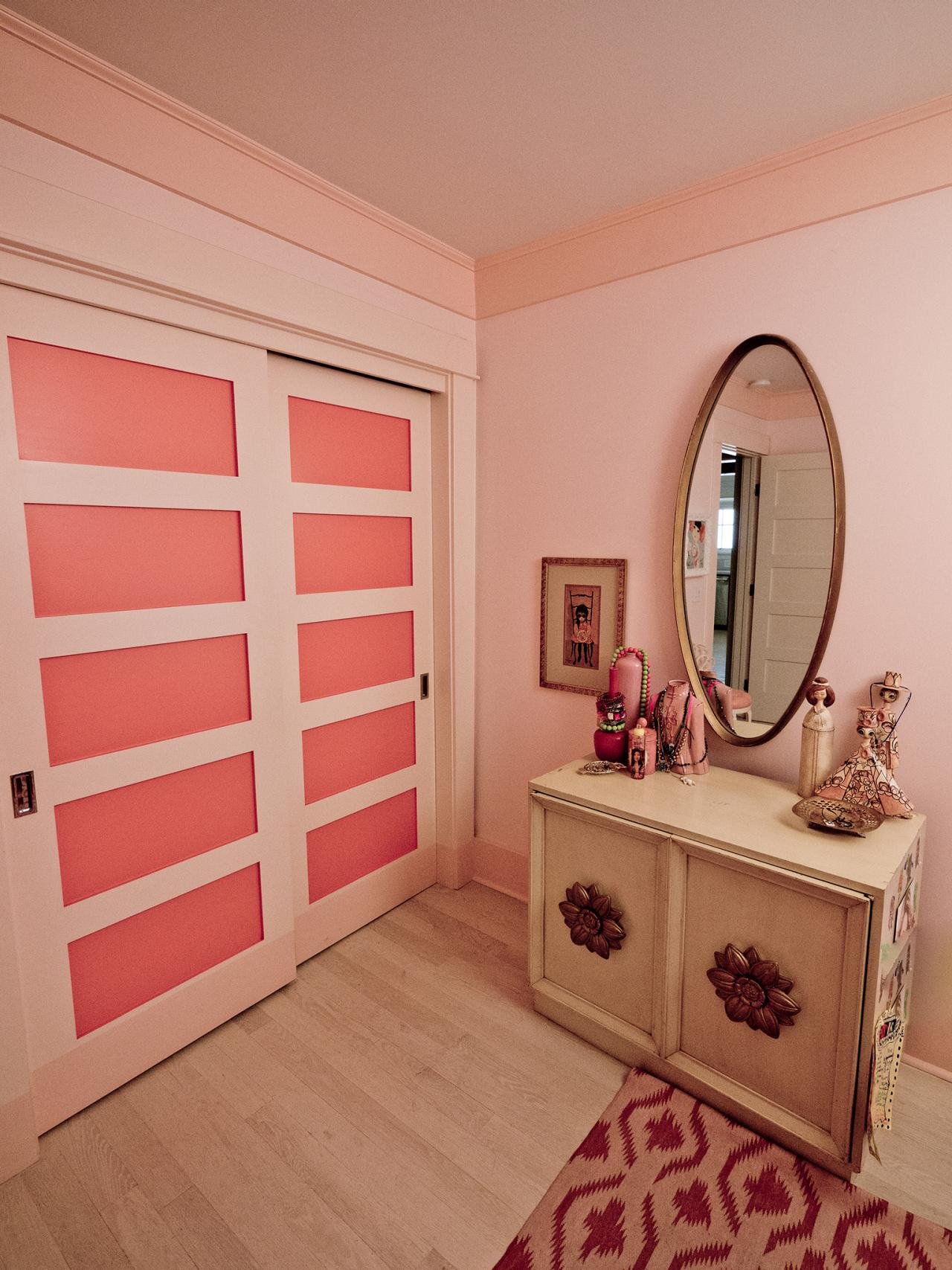 Wall paint colors for girls bedroom - Girly Glam