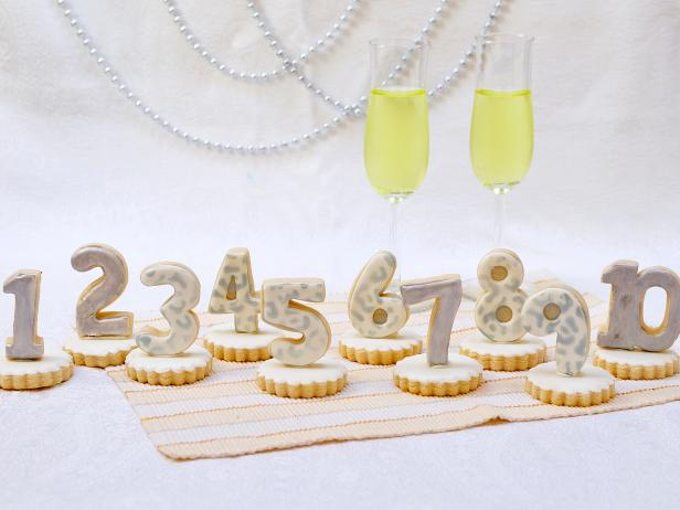 New Year's Eve Cookie Centerpiece and Favors