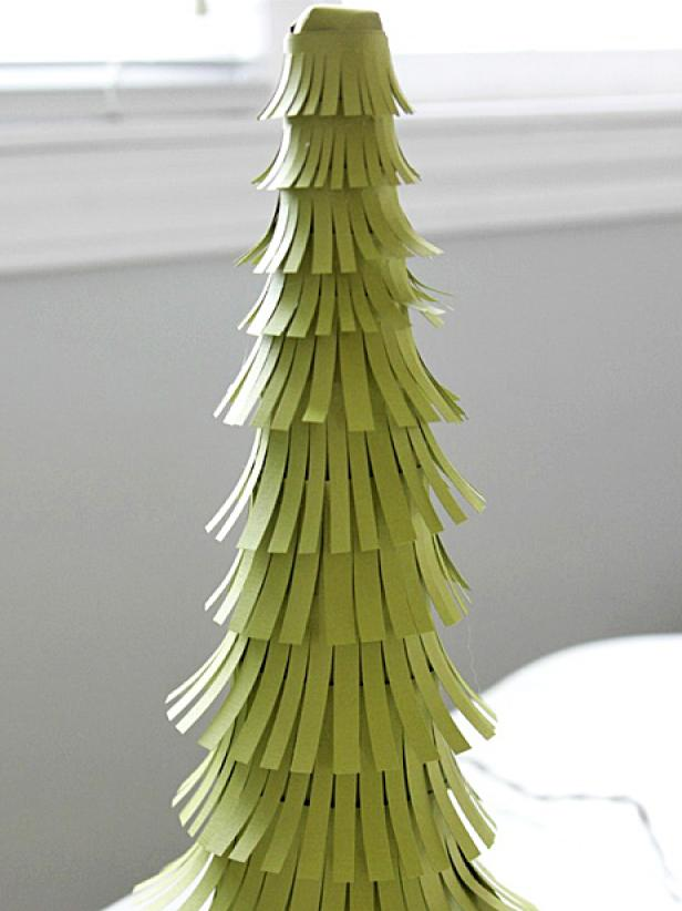 original_Heather-Freeman-paper-christmas-tree-step-eight_s3x4