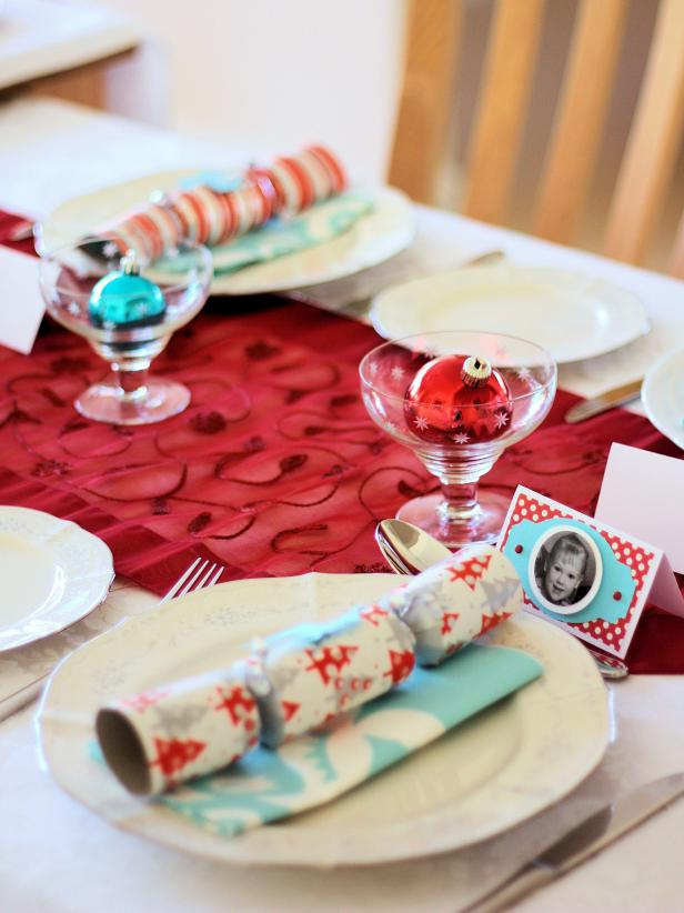 original_Lisa-Sarah-Cox-holiday-centerpiece-photo-placecards_s3x4