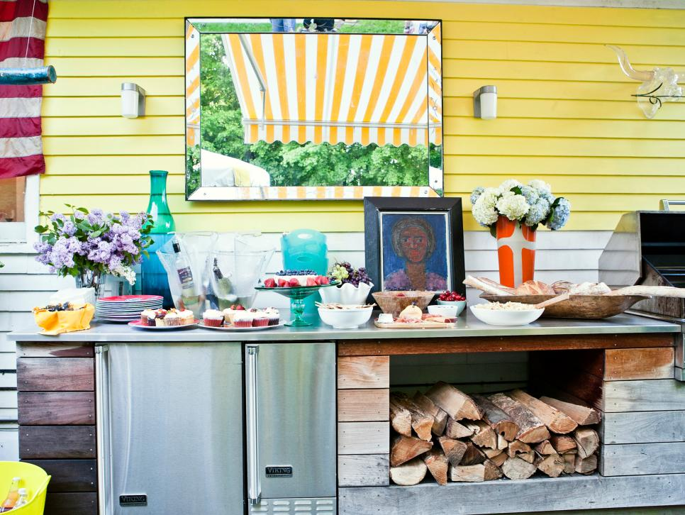 Upgrade Your Backyard for Outdoor Entertaining