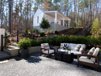 Contemporary Outdoor Seating Area With Gravel