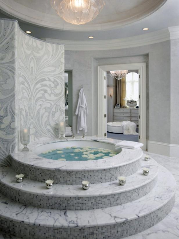 White Mosaic Bathtub