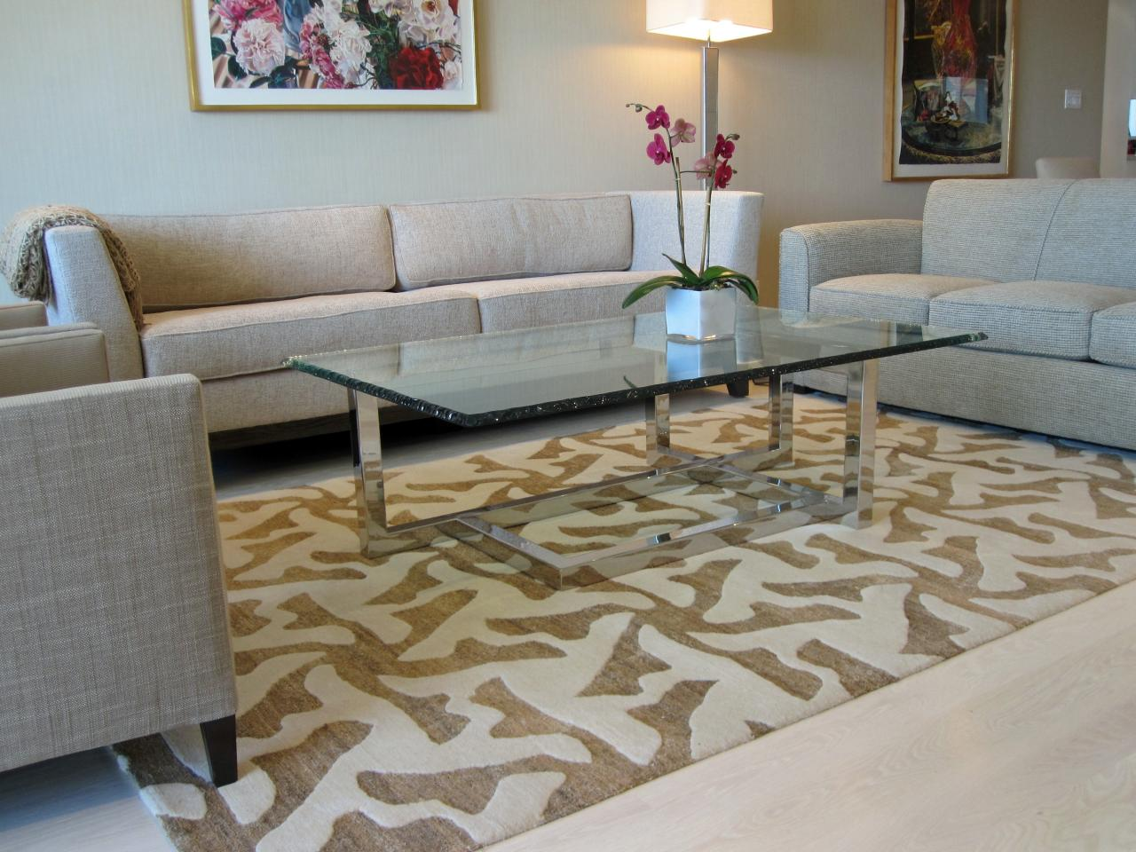 Choosing the best area rug for your space hgtv Carpet for living room