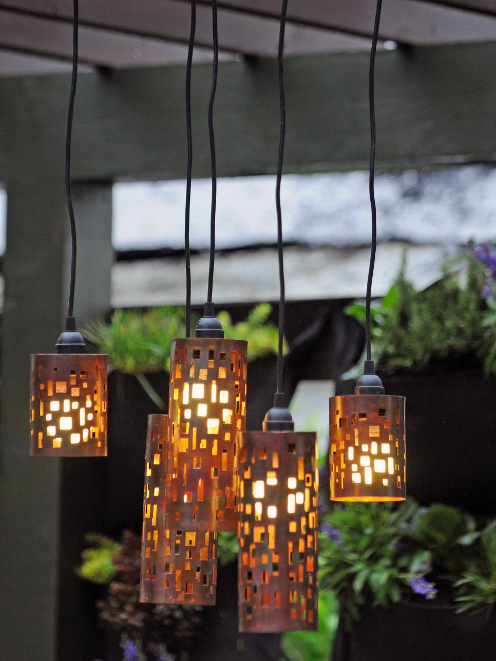Set the mood with outdoor lighting hgtv for Outdoor yard light fixtures