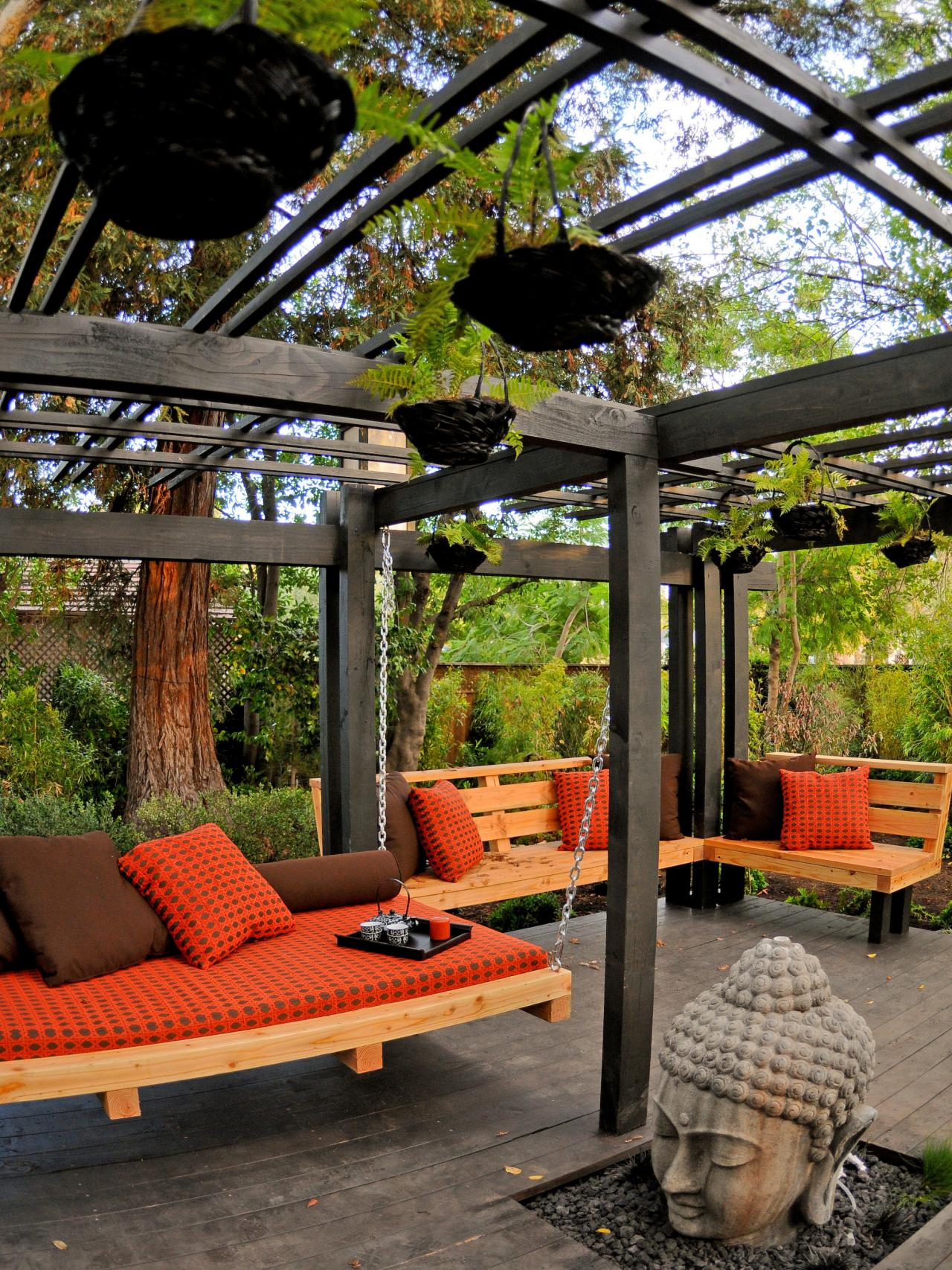Our favorite designer outdoor rooms outdoor spaces for Designs for garden rooms