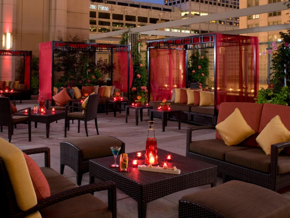 Diy outdoor projects inspired by boutique hotels hgtv for Peninsula hotel chicago