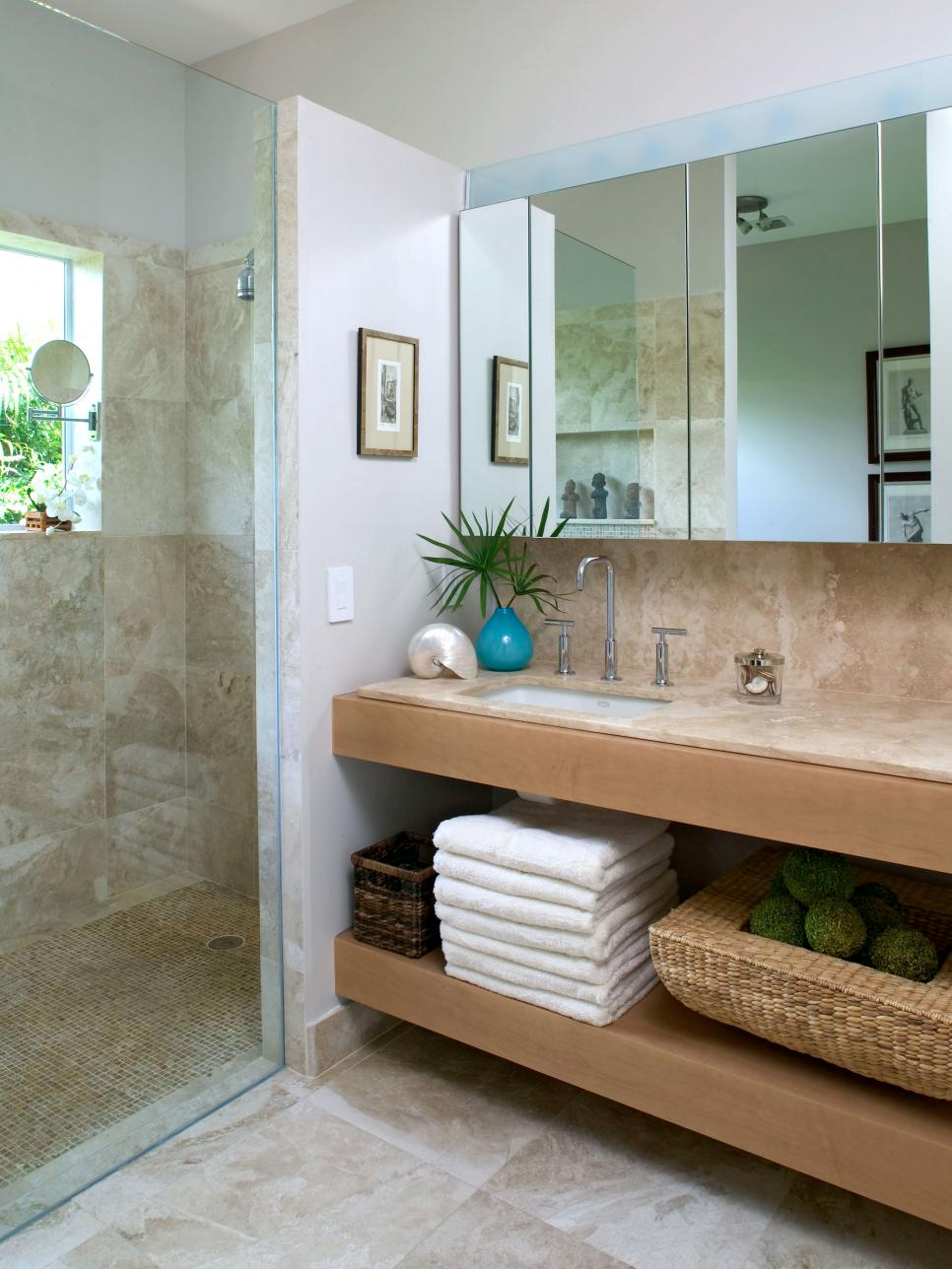 Coastal bathroom ideas hgtv for Bathroom designs hgtv