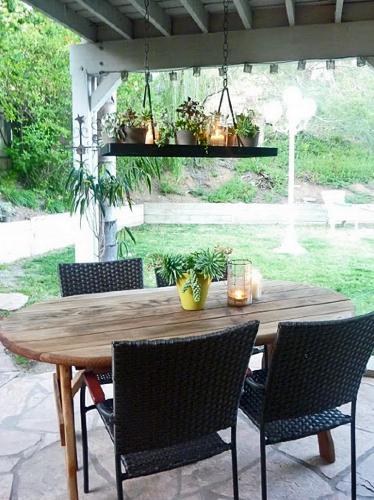 25 Gorgeous Outdoor Chandeliers