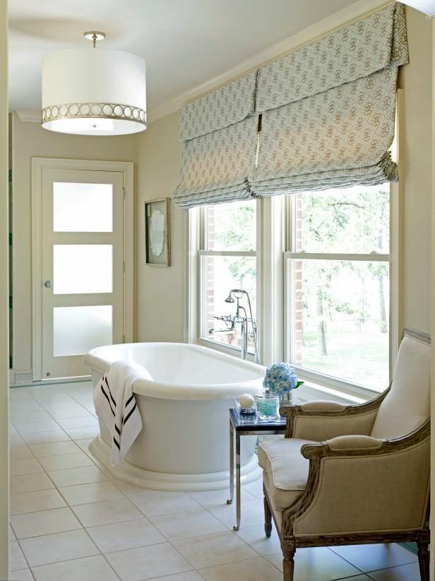 Relaxing White Bathroom