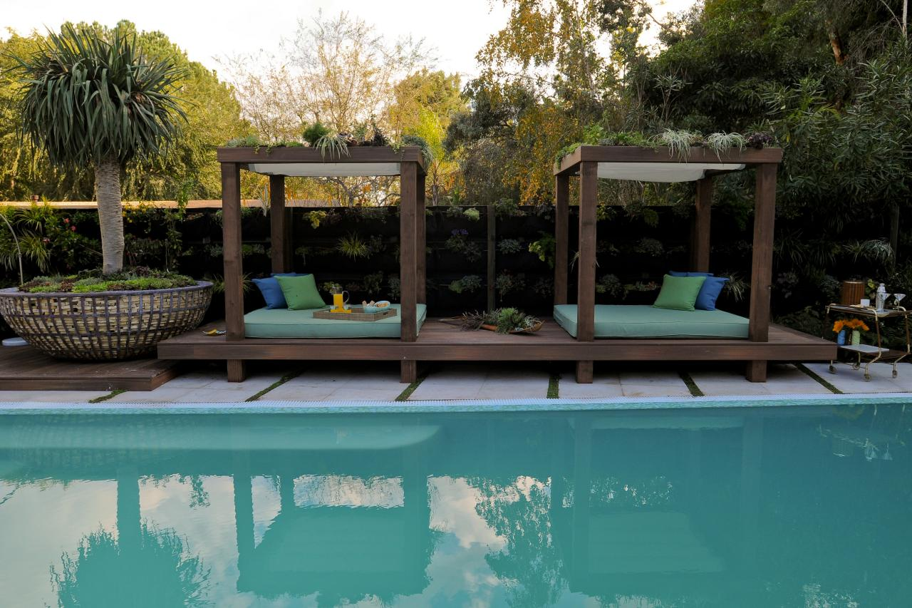 Photos the outdoor room with jamie durie jamie durie for Outdoor pool cabana