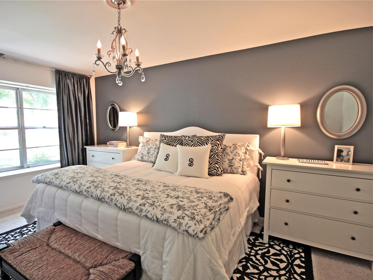 Photo page hgtv for Bedroom ideas grey and white
