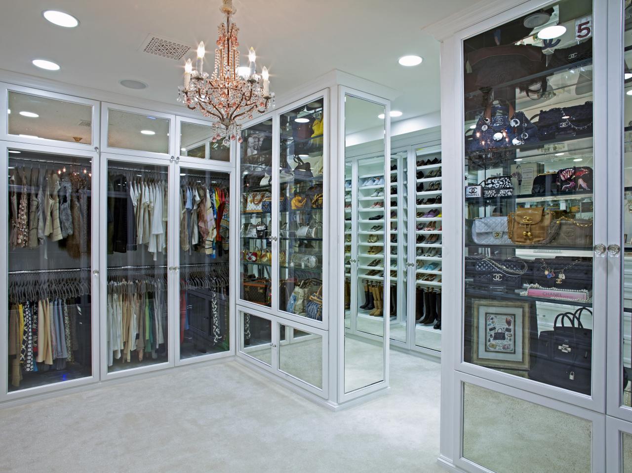 Photos lisa adams hgtv for 10 x 10 closet design