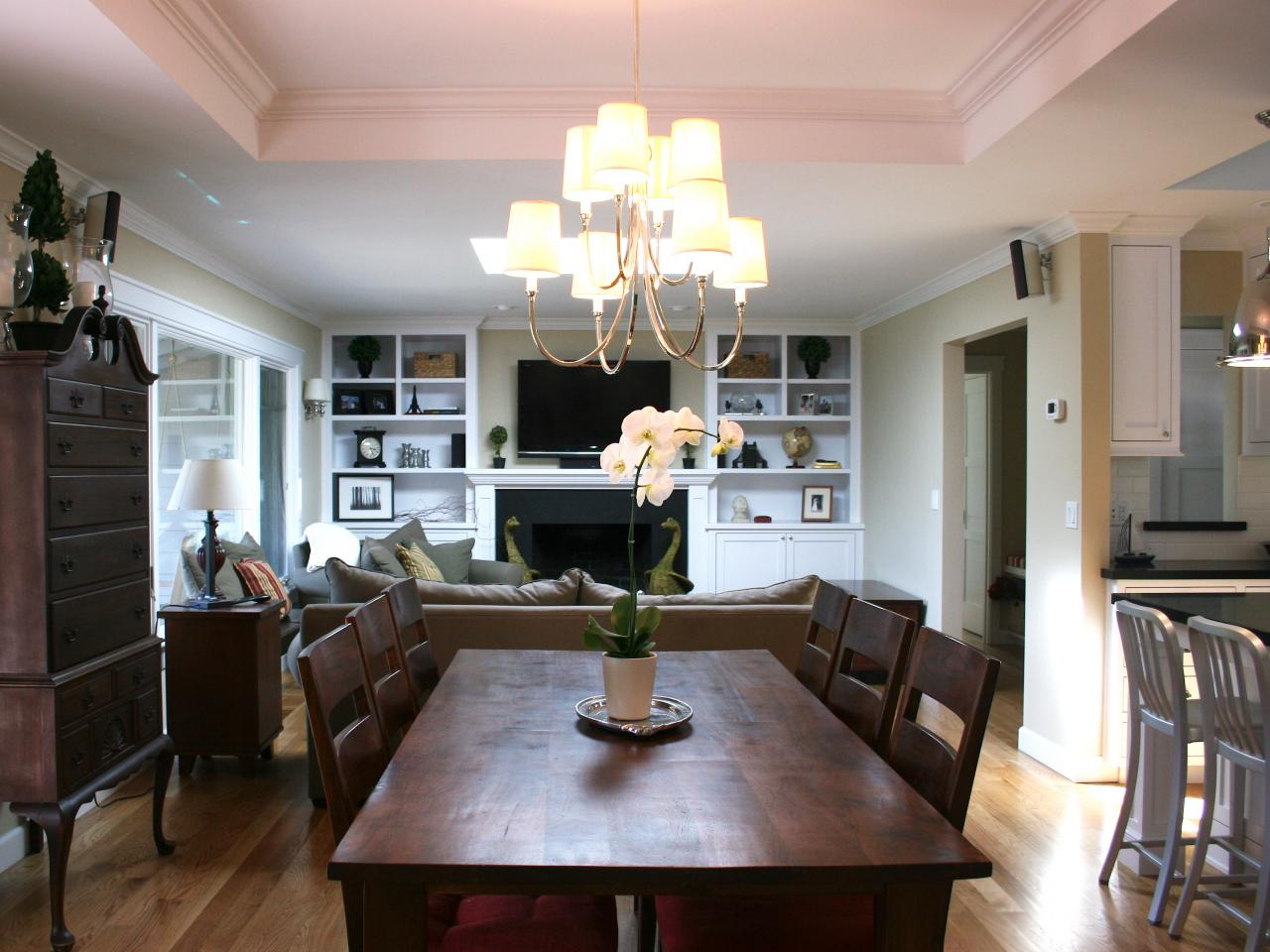 High Quality Open Layout Dining Room With Traditional Table Part 8