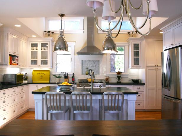 Transitional Kitchen With Large Black-and-White Island