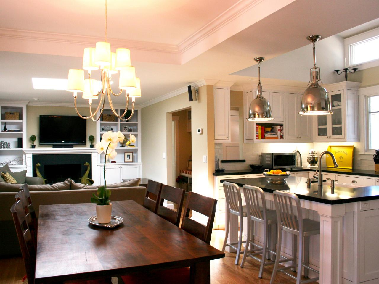 Household mysteries solved hgtv for Kitchen dining area decorating ideas