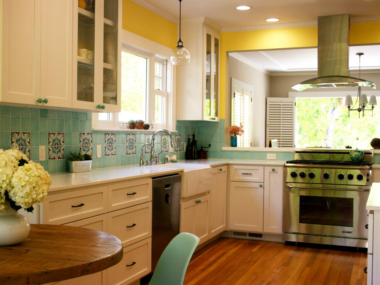 Blue Kitchen Yellow Cabinets Quicua