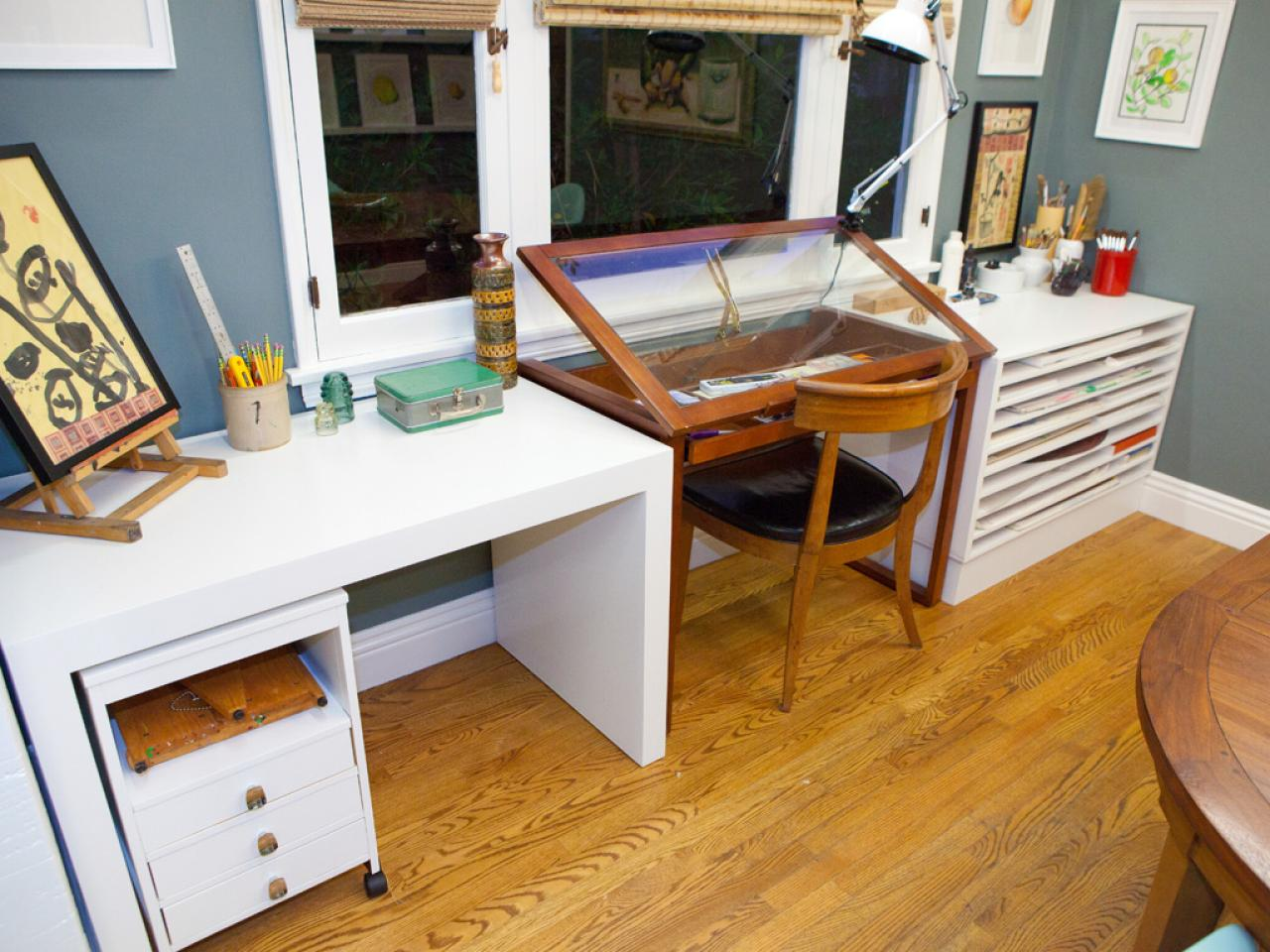 Photo page hgtv for Art studio bedroom ideas