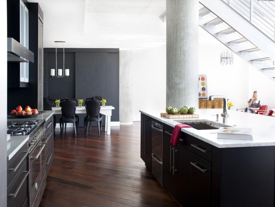 urban spaces minimalist modern atlanta loft hgtv. Black Bedroom Furniture Sets. Home Design Ideas