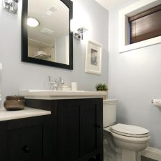 Small Bathroom With a Clean Look