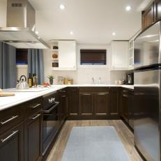 Kitchen With Two-Toned Cabinetry