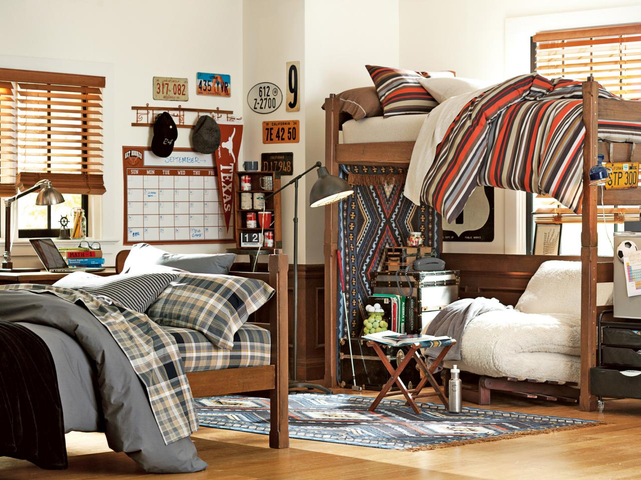 Dorm room storage seating and layout checklist hgtv for Hall room decoration ideas