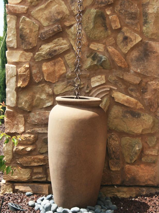 Tuscan Outdoor Urn and Rain Chain