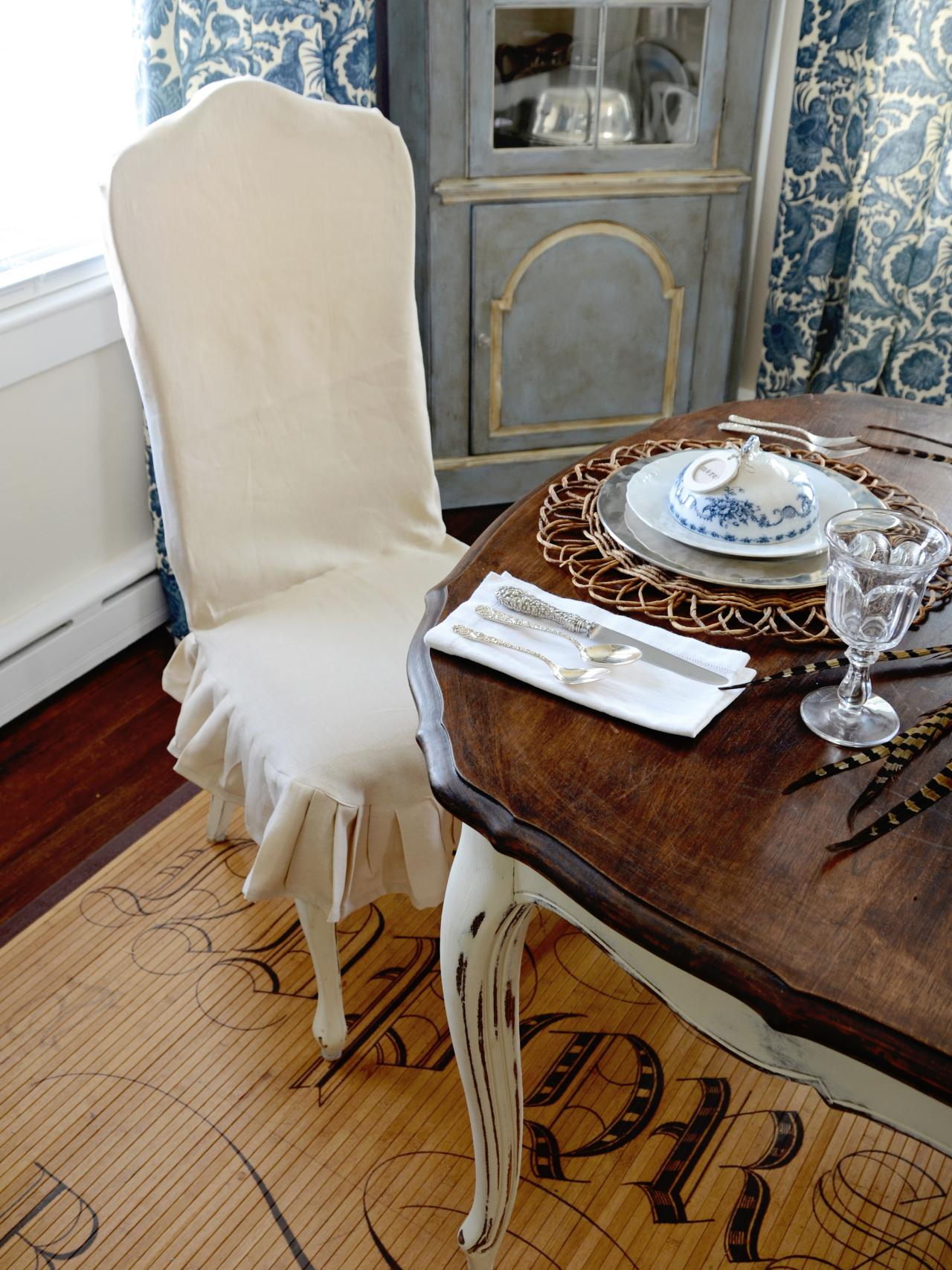 How to Make a Custom Dining Chair Slipcover HGTV : originalMarian Parsons Thanksgiving Slipcovered Chair Beauty1s3x4jpgrendhgtvcom12801707 from www.hgtv.com size 1280 x 1707 jpeg 278kB
