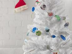 Repurpose Holiday Cards Into a Colorful Garland