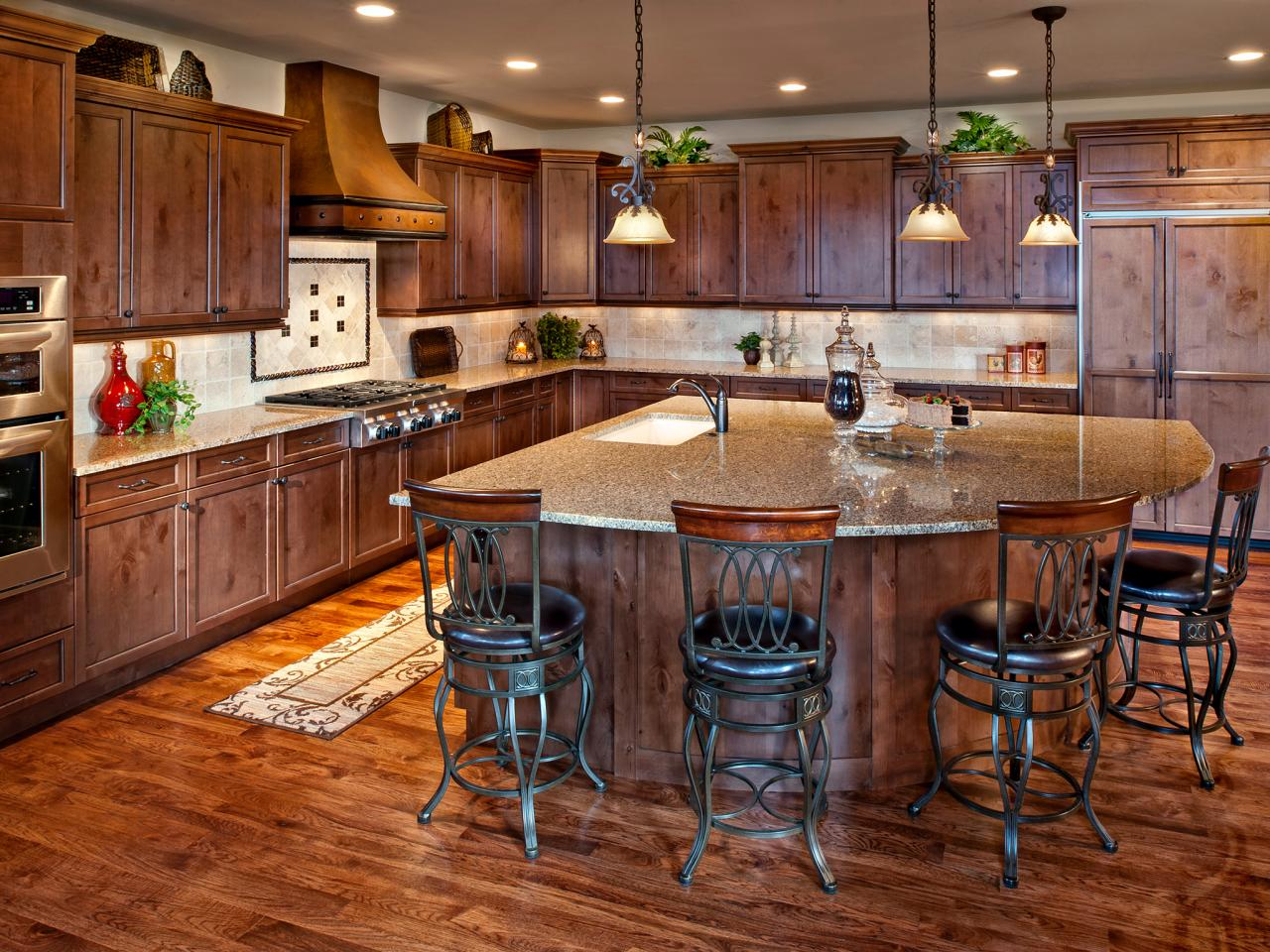Italian kitchen design pictures ideas tips from hgtv for Kitchen island cabinet plans