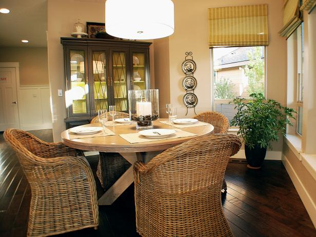Neutral Breakfast Nook With Round Dining Table and Wicker Chairs