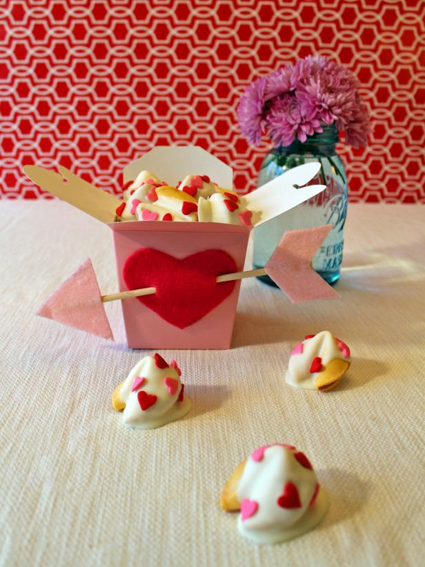 Valentine 39 s day kids 39 craft white chocolate dipped for Crafts for valentines day ideas