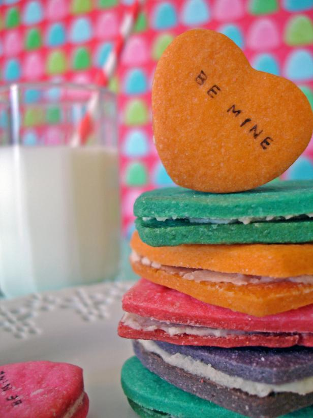 Original_Liz-Gray-Valentine-Cookies-With-Milk-Stack_s3x4