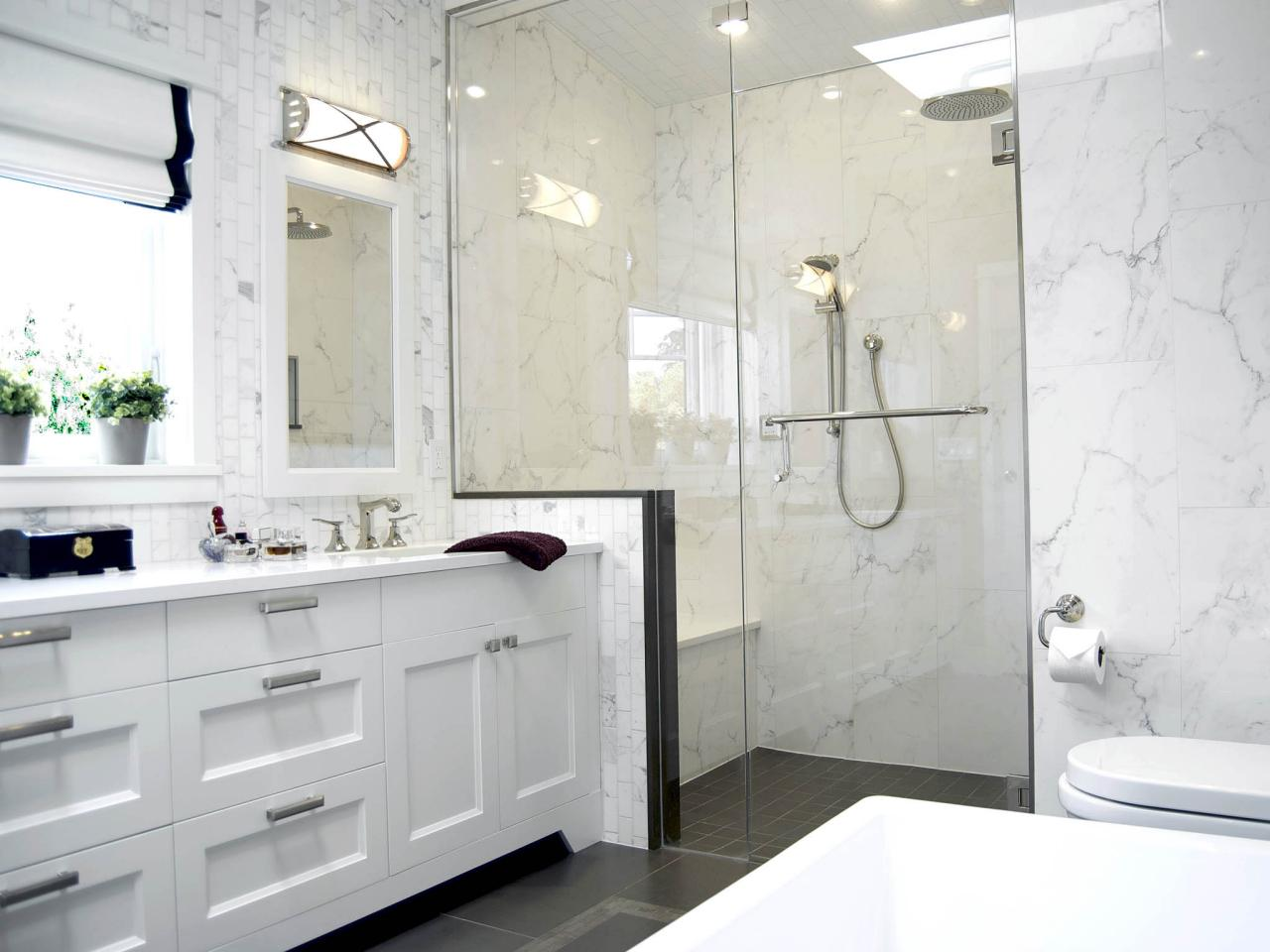 Colonial bathrooms pictures ideas tips from hgtv hgtv for Bathroom ideas with quartz