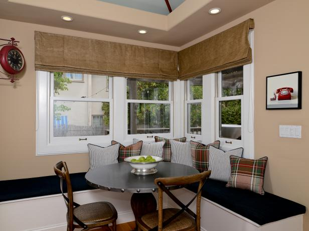 Contemporary Neutral Breakfast Nook With Spacious Banquette