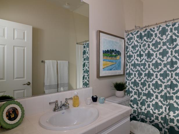Cream Bathroom with Trellis-Patterned Shower Curtain