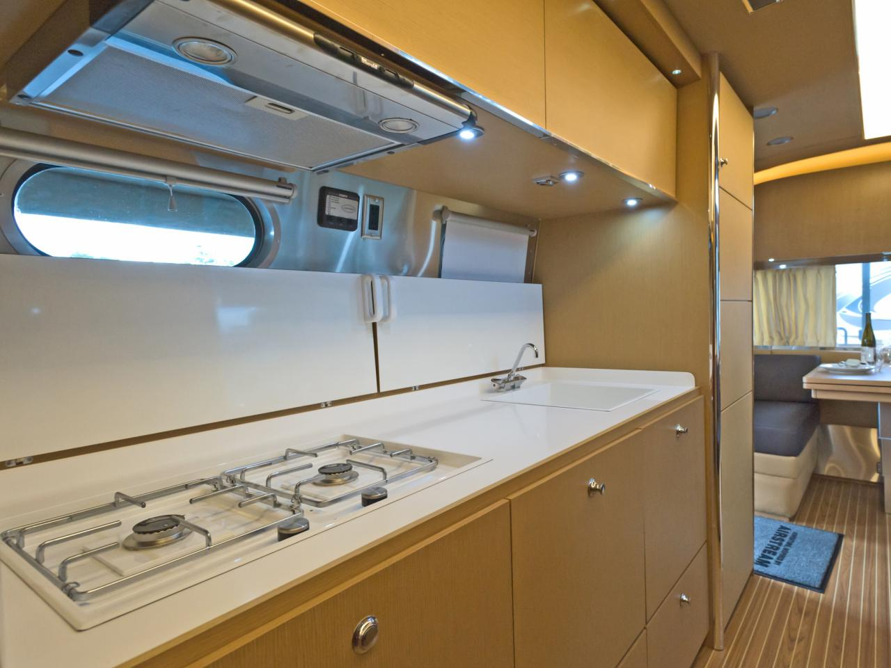 Rv Countertop Options : Take the 2014 RV Tour Decorating and Design Ideas for Interior Rooms ...