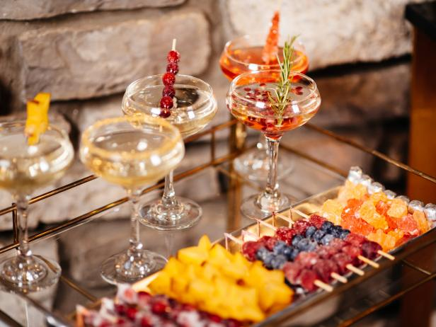 Original_Holidays-at-Home-champagne-garnishes-beauty_h