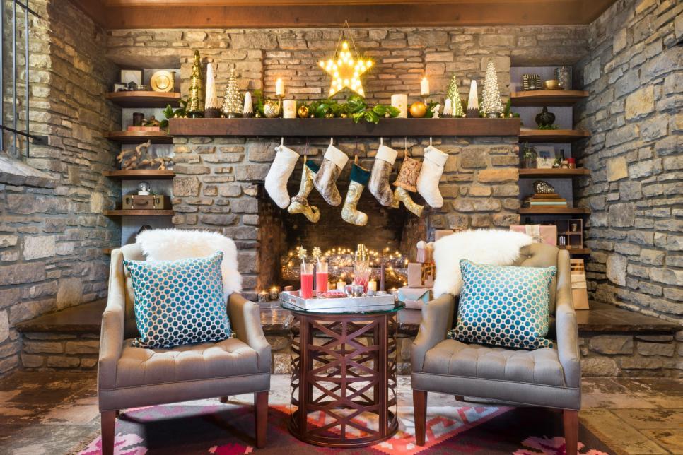28 Christmas Mantel Decorating Ideas | HGTV