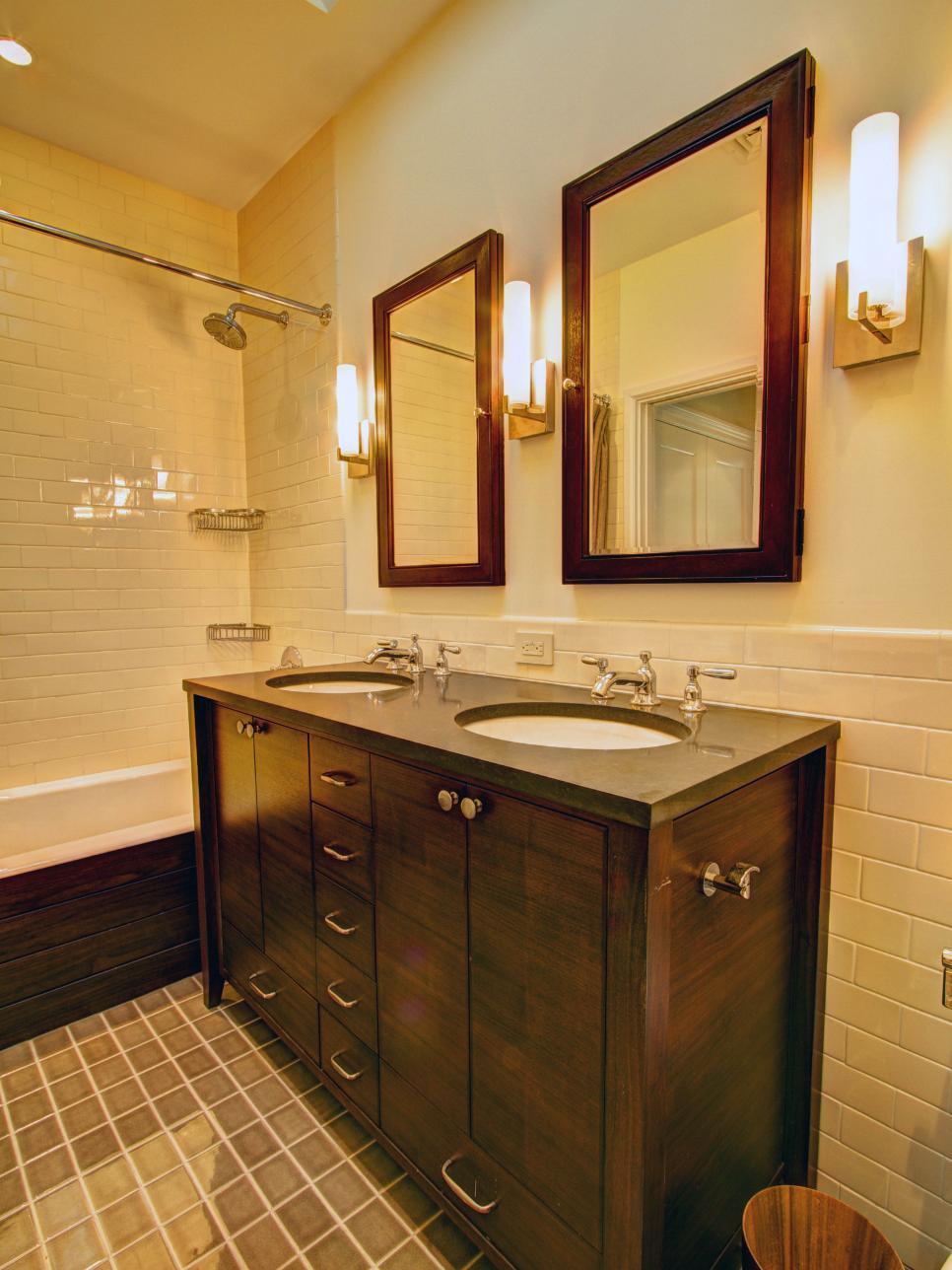 Arts and crafts bathroom tile - 27 Craftsman Bathroom Photos