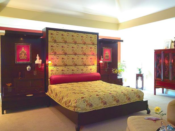 Asian Style Bedroom with Floating Wall