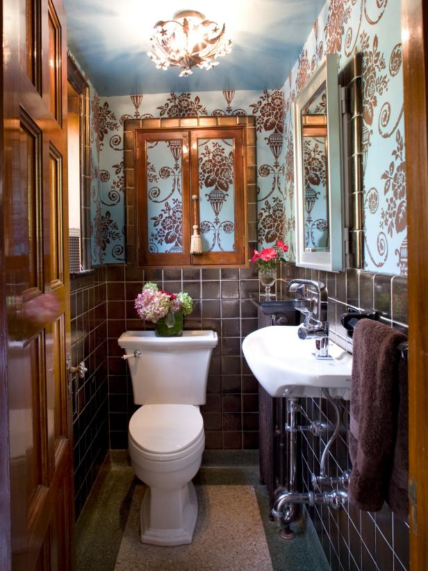Bathroom With Blue-and-Brown Baroque Wallpaper