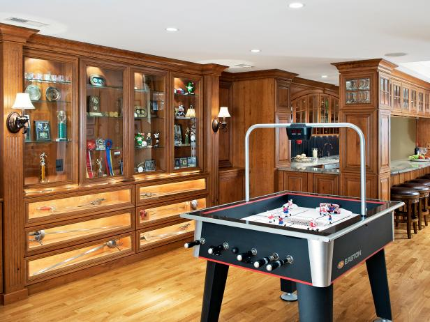 Traditional Basement Game Room With Bar